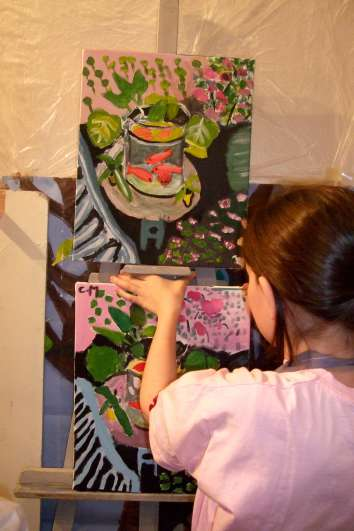 Artist in the making in the heart of Paris