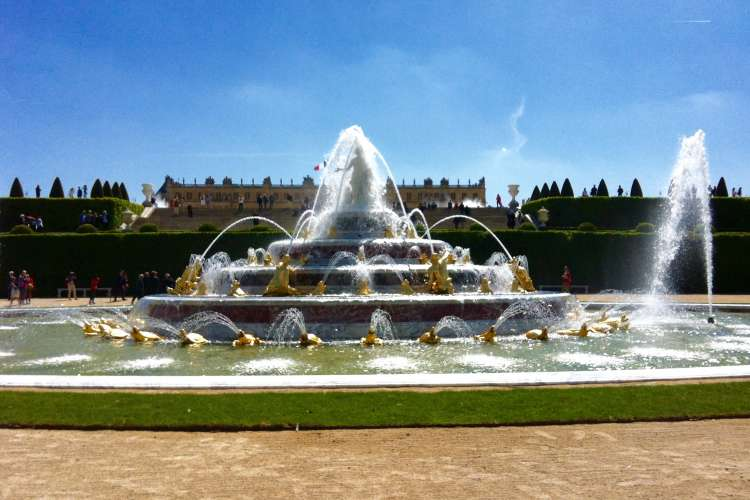 Latona fountain's inauguration in Versailles