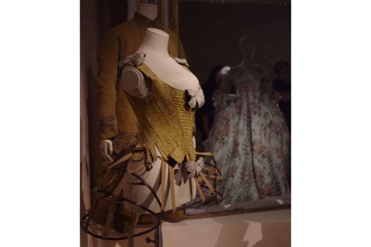 corset fashion forward