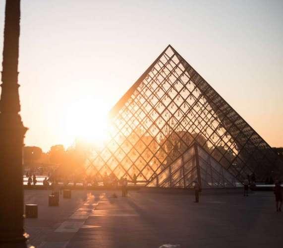 "SERIAL CONTEST: ""PARIS VIRTUAL TOUR 2020"""