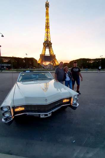 Tour by the Tour Eiffel with Cadillac