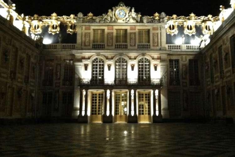 Versailles-castle-night