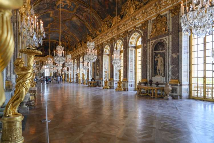Versailles-galerie-glaces-mirrors
